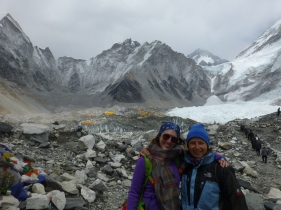 We met in Jiri, went our separate ways, and randomly found each other again in Lobuche a day before reaching EBC!